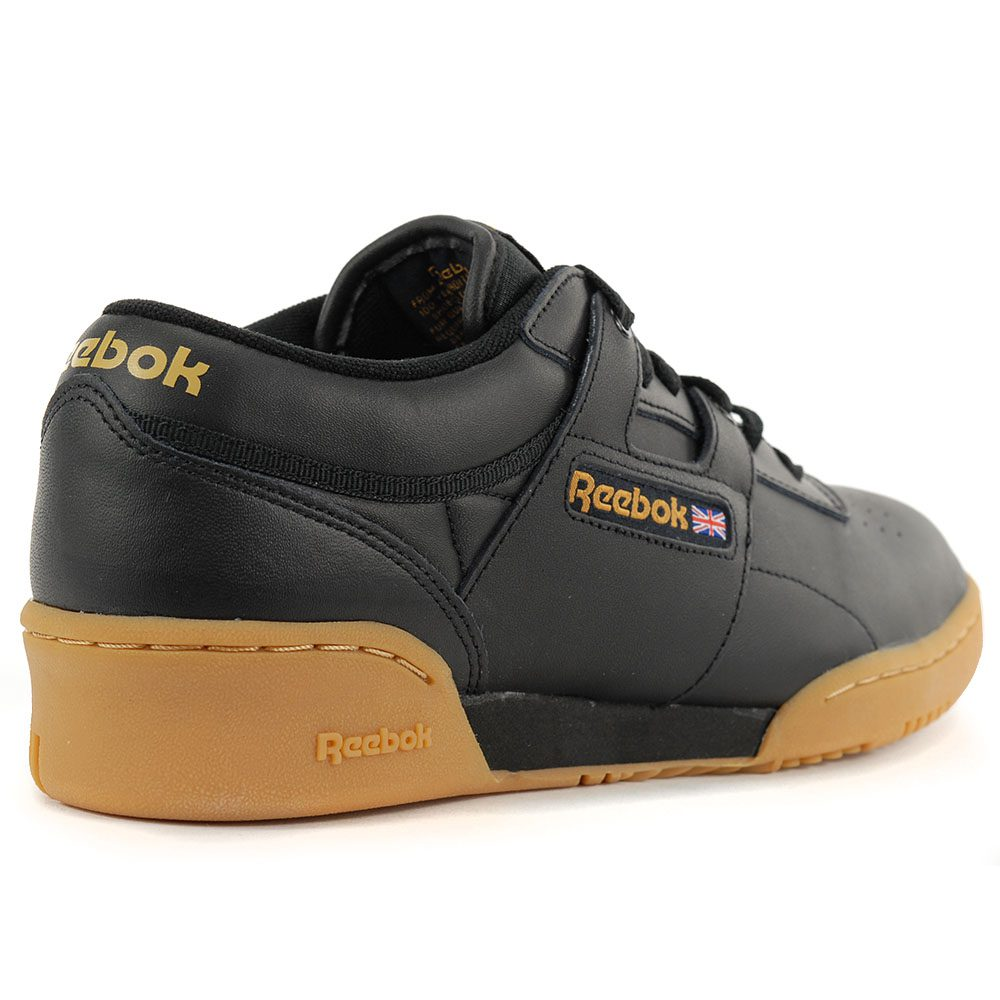 d56aeff569fde Reebok Men s Classic Leather Workout Low Black Gum Training Shoes ...