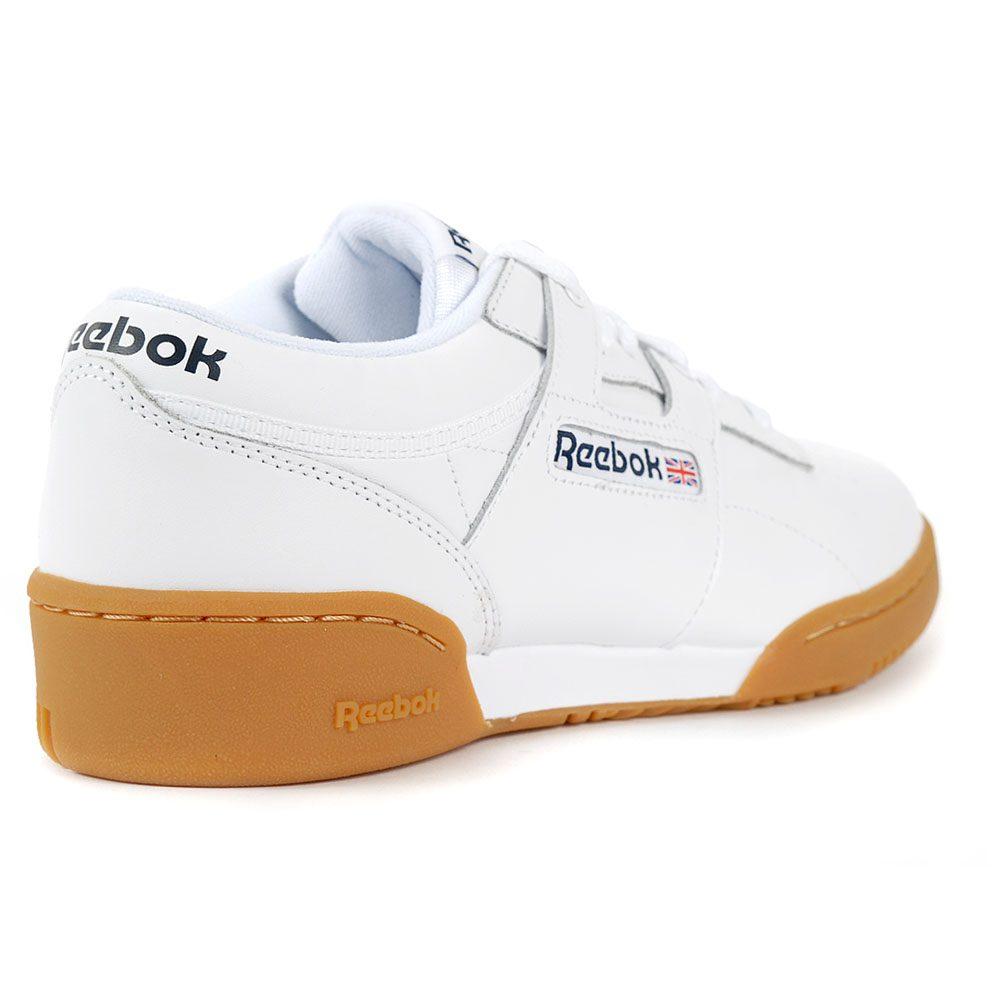 Reebok Men s Classic Leather Workout Low Black Gum Training Shoes ... b5340906c